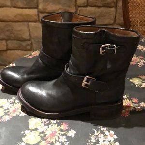Zigi girl leather boots